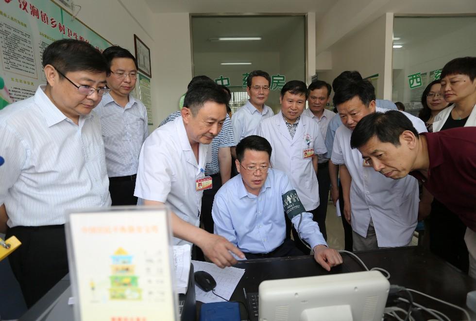 副省长杨光荣来我市检查调研 强调坚持以人民为中心发展思想,扎实做好防汛抗旱等工作