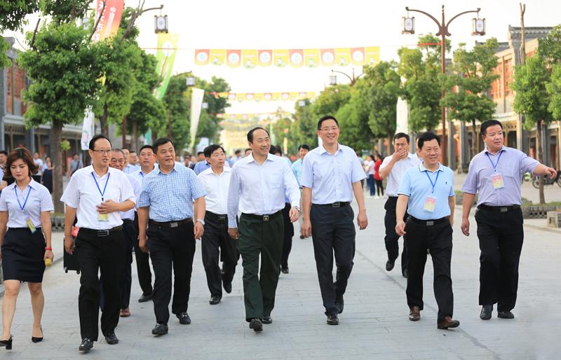 喜迎中国农民丰收节  首届千秋剥菓节隆重开幕