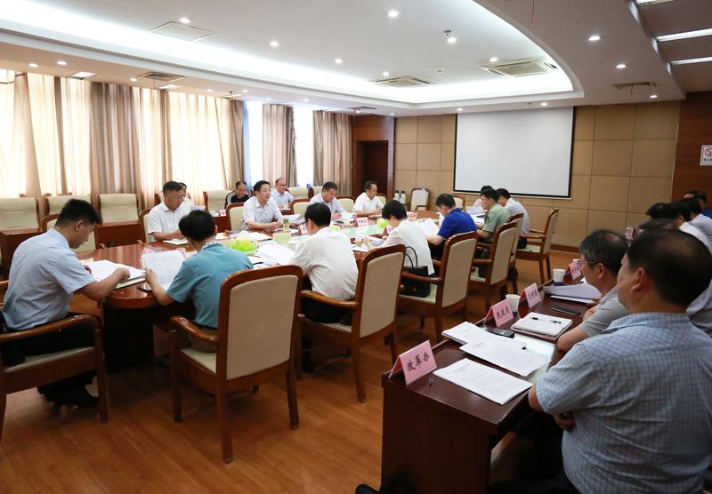 邓继敢主持召开市委全面深化改革委员会第一次会议