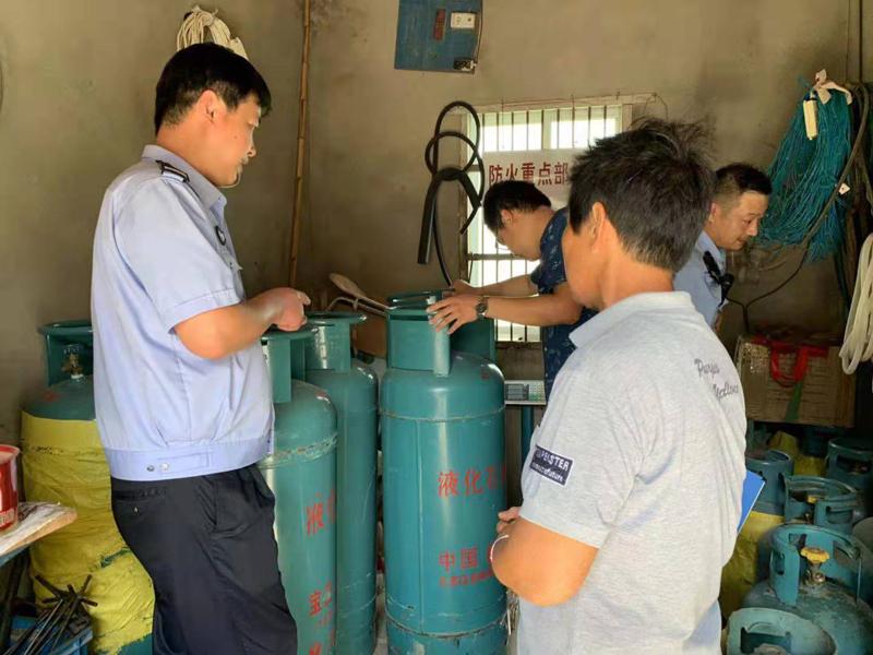天长市万寿镇开展夏季瓶装液化气安全大检查