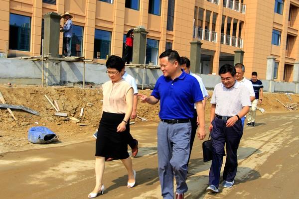 副市长周巧玲协调推进千秋小学工程建设