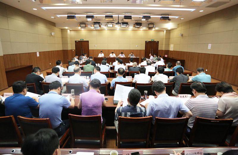邓继敢主持召开市委常委碰头会  部署安排9月份重点工作