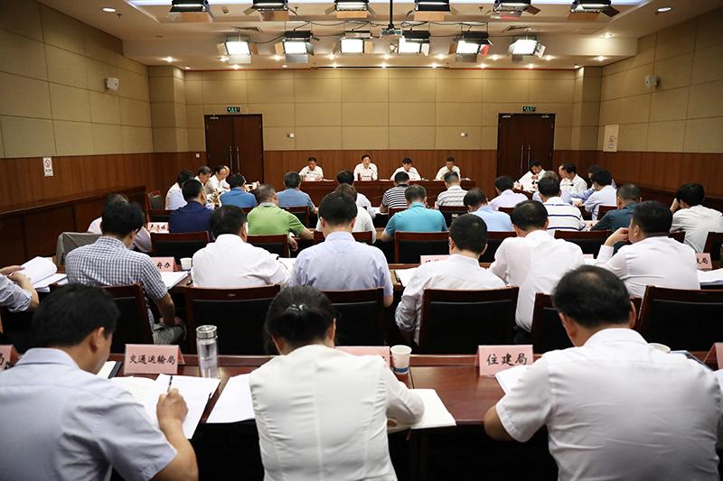 邓继敢主持召开市委常委碰头会 部署安排10月份重点工作