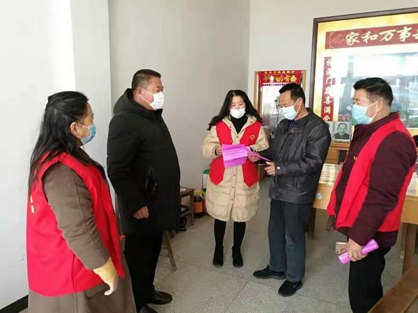 张铺镇:疫情防控与扶贫同行